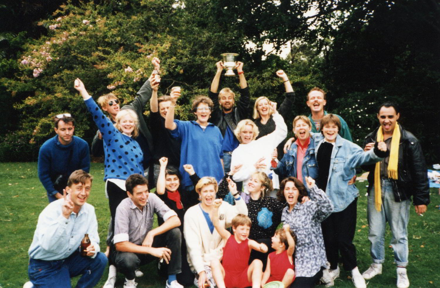 Handspan Theatre The Last Wave Moomba Award 1987 group photo of people in a park with trophy cup held aloft